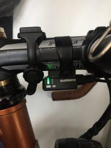 Grünes Leuchten der Di2 Batteriestandanzeige