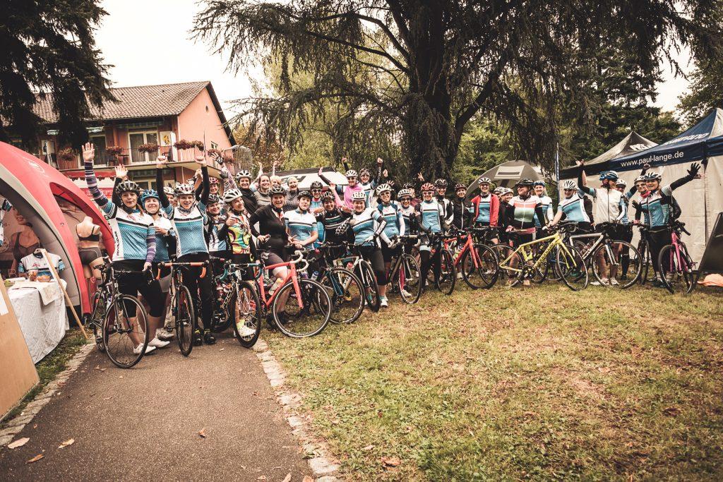 Gruppenfoto der Teilnehmerinnen beim Women's Cycling Camp