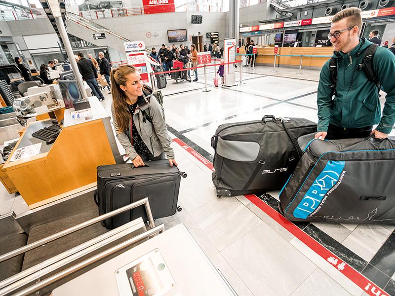 Reisen mit dem Rad   Gepäckabgabe am Flughafen   Fahrradtransport im Flugzeug