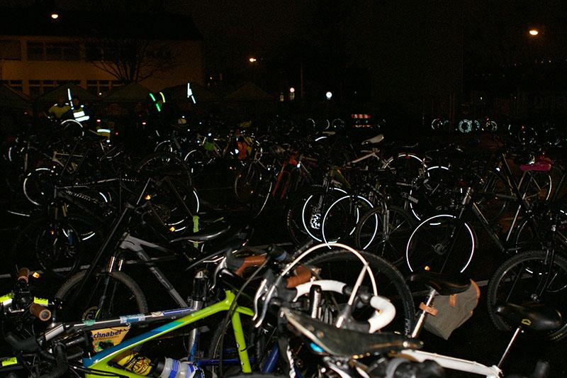 Nach der Critical Mass Stuttgart parkten alle ihre Fahrräder bei Paul Lange & Co.