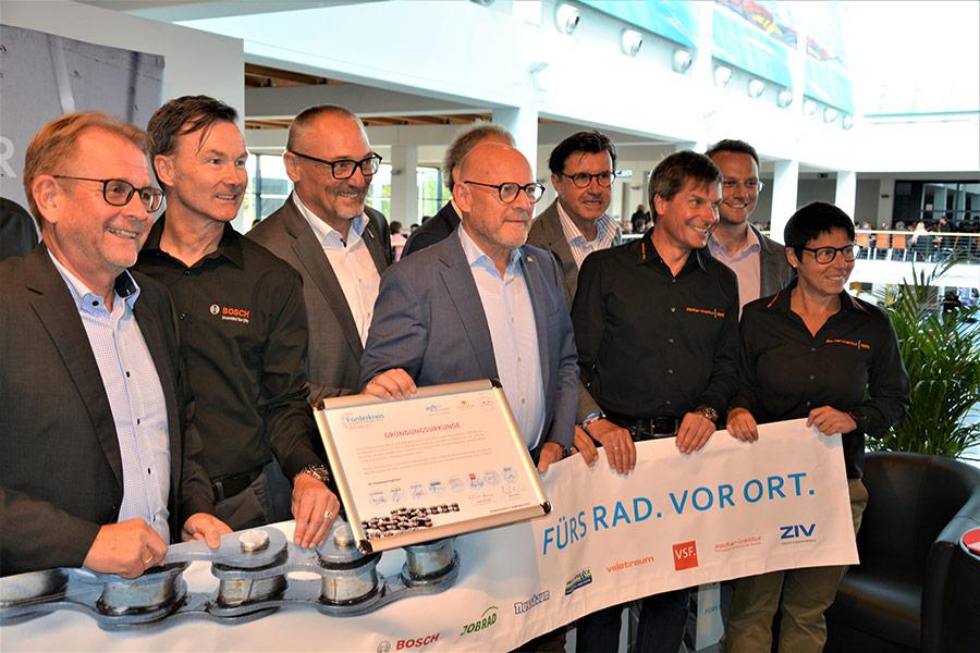 Gründung des Förderkreises Wirtschaft, Politik & Gesellschaft - Eurobike - Fahrradförderung