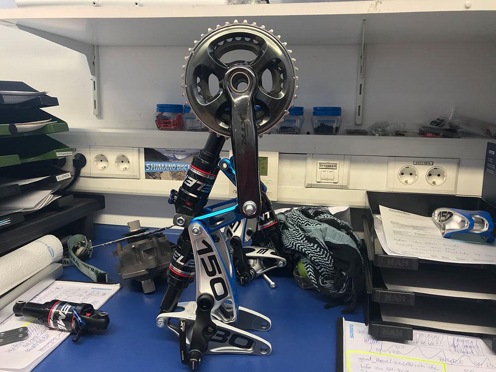 XTR-Kurbel mit RST-Dämpfer von SHIMANO - Fahrradkunst Bein