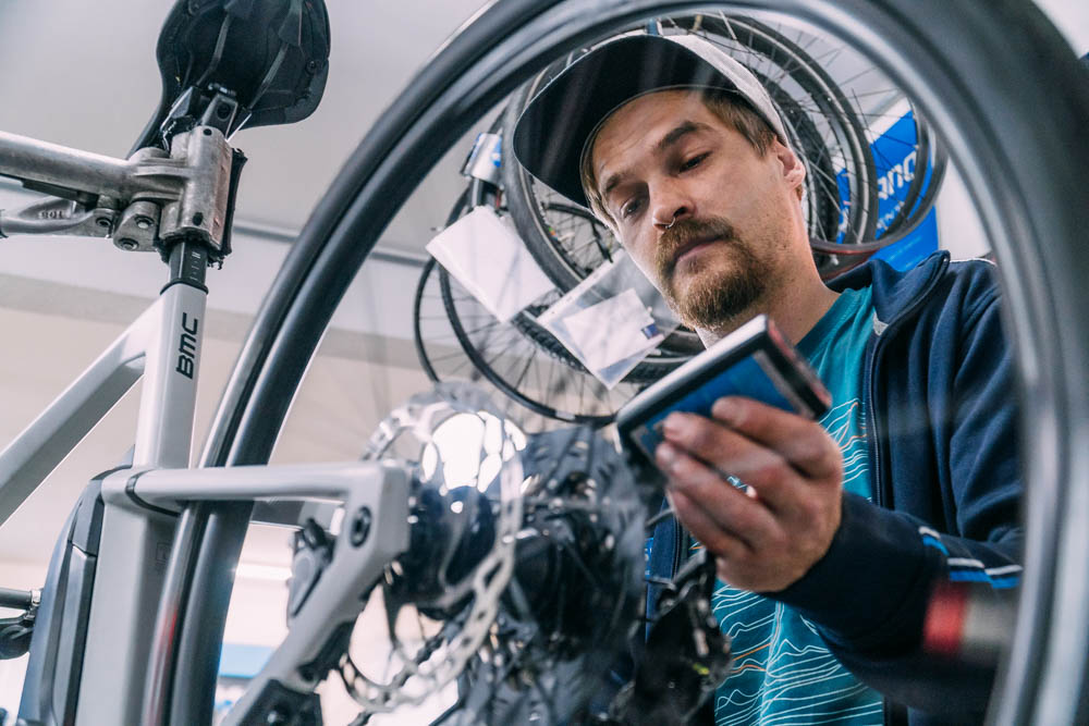 Dennis Schelkle  - Fahrradmechaniker bei  Saikls.