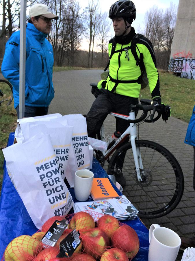 Fahrradfrühstück am Neckar | Konrad Weyhmann | Winter Bike to Work Day
