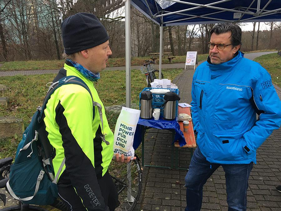 Mehr Platz fürs Fahrrad | Biker-Frühstück | Fahrradfrühstück | Konrad Weyhmann mit Fahrradfahrer