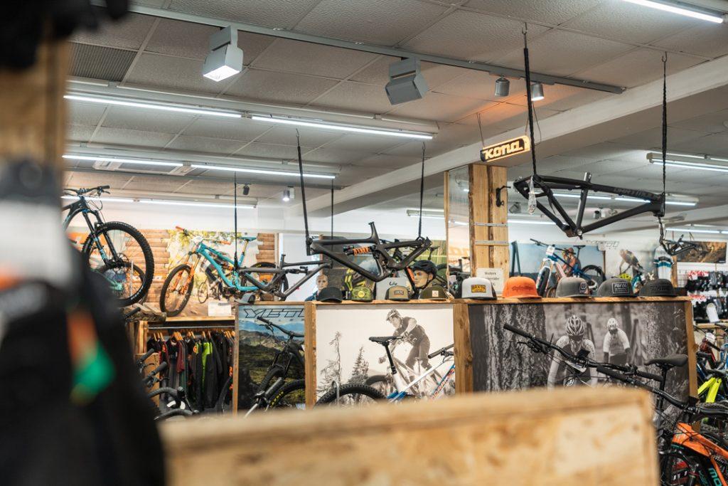 Geöffnete Fahrradwerkstatt trotz Corona - Freeride Mountain in Schorndorf