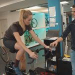 Nadine Berneis beim Bikefitting