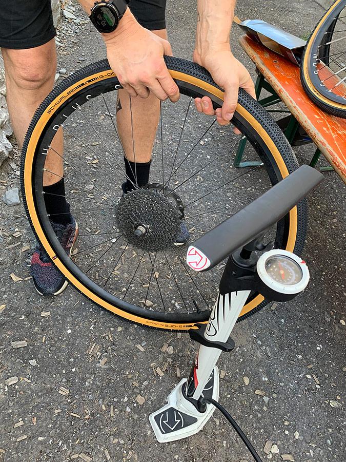 Pumpe für den Reifen - Montage Tubeless