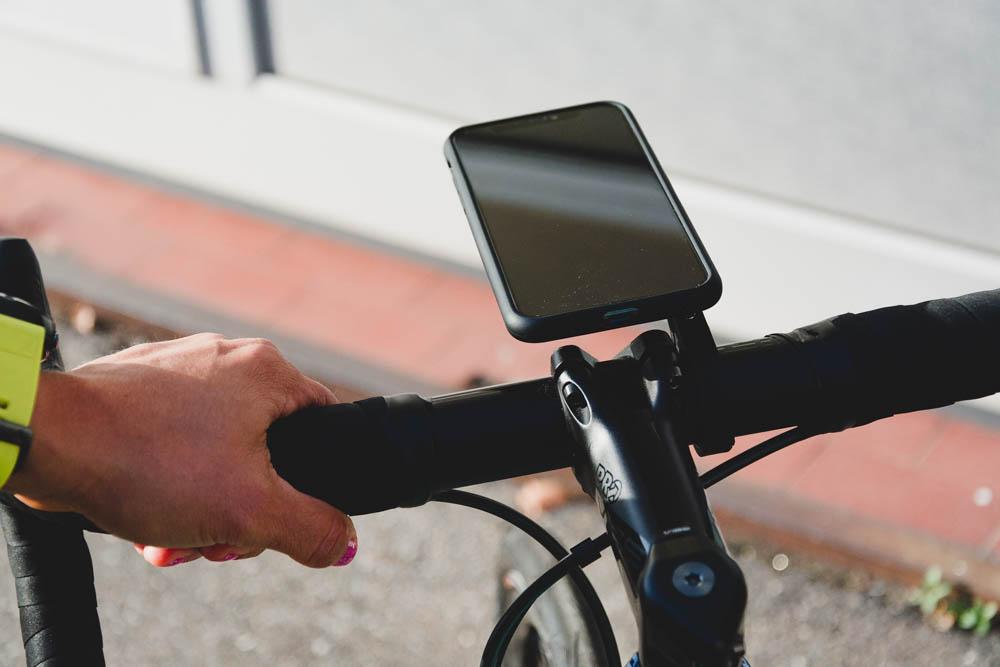 SP Connect - Panzerglass - Anti-Glare auf Fahrrad-Cockpit