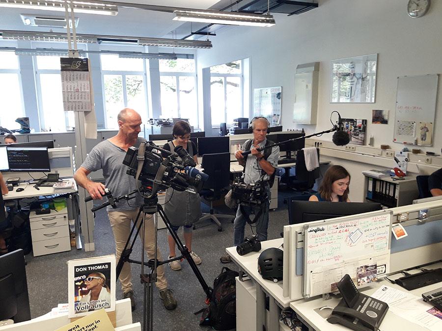 Filmdreh SWR Carolin Rübenacke - Auszubildende im E-Commerce bei Paul Lange & Co.