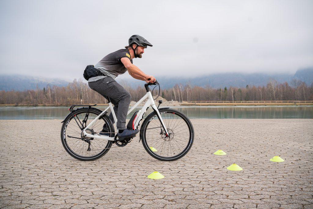 Bremsmanöver E-Bike-Fahrtechnik-Training 4.