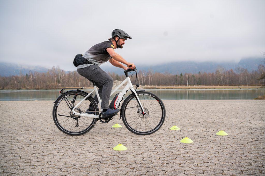 Bremsmanöver E-Bike-Fahrtechnik-Training 3.