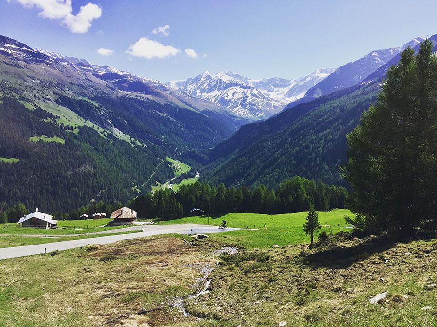 Bergblick Transalp mit Gravelrädern.