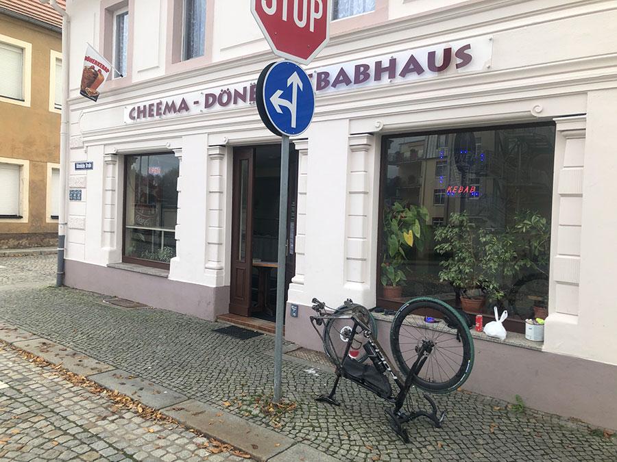 Neustadt Sachsen Döner - Pause auf dem Orbit 360.