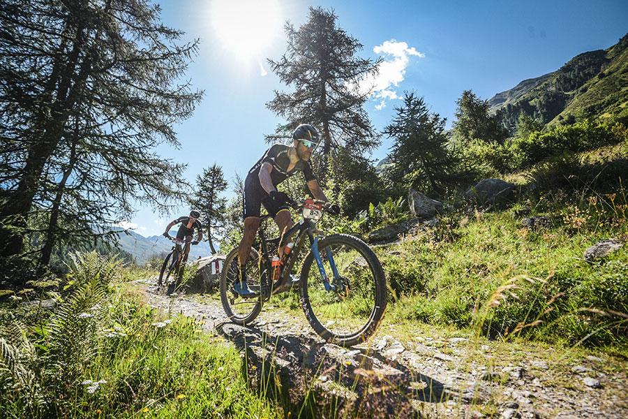 Alban Lakata durchs Gelände - Mountainbike - Namedsport
