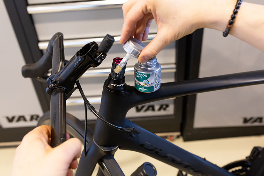 Fahrradpflege mit Carbonpaste - Anzugsdrehmoment reduzieren