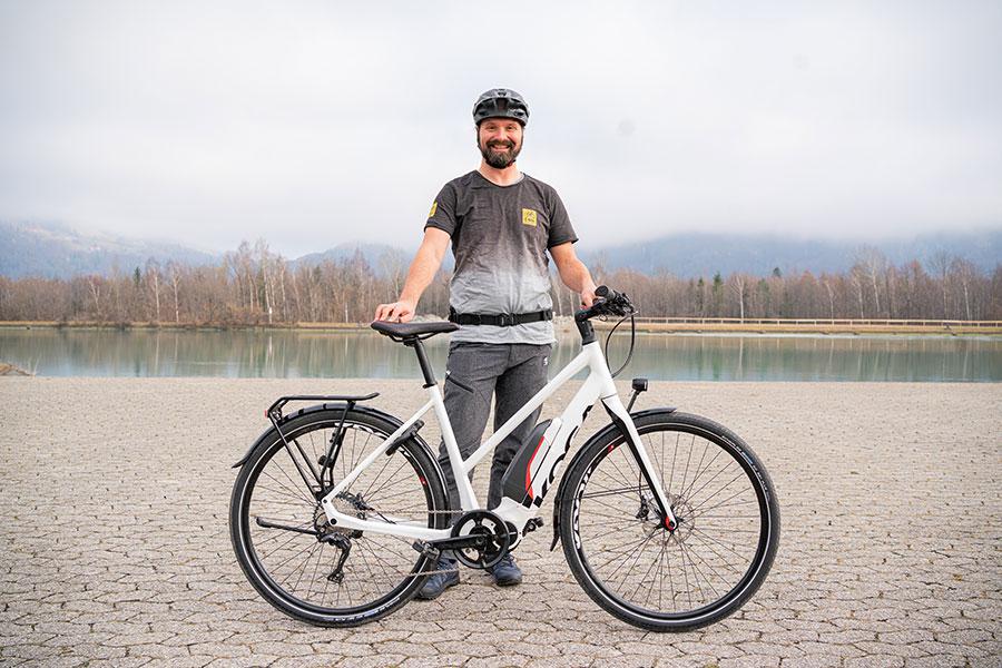 Andy Rieger - E-Bike-Fahrtechniktraining - Coach übers Aufsteigen und Absteigen.