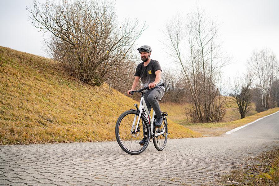 Vorderrad einschlagen - Fahrtechniktraining - Andy Rieger. Aufsteigen und Absteigen.