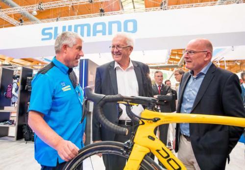 Winfried Kretschmann zu Besuch bei Paul Lange/SHIMANO auf der Eurobike 2017